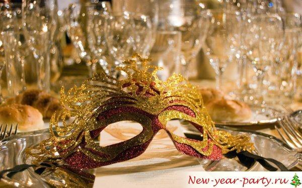 Нвогодние карнавальные маски