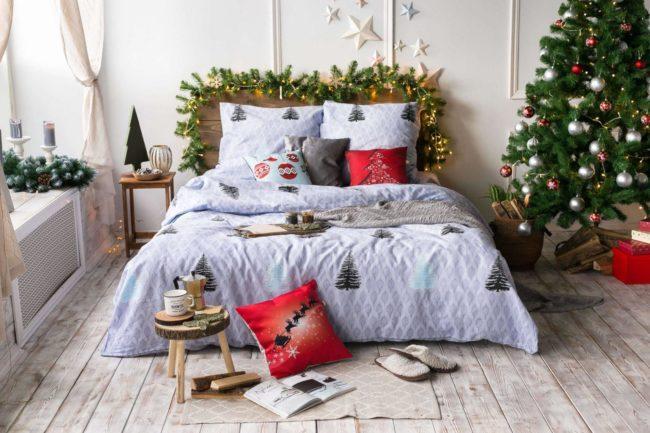 Как украсить спальню к новому году