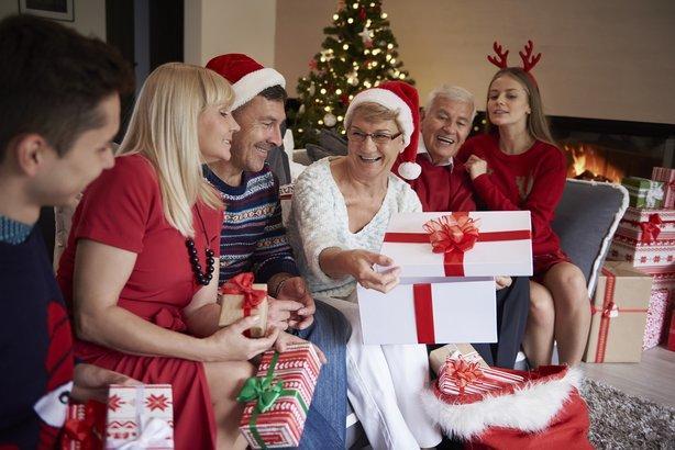 Подарки у родственников