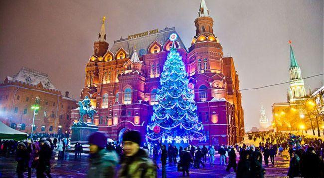 В какой последовательности встречают новый год в России