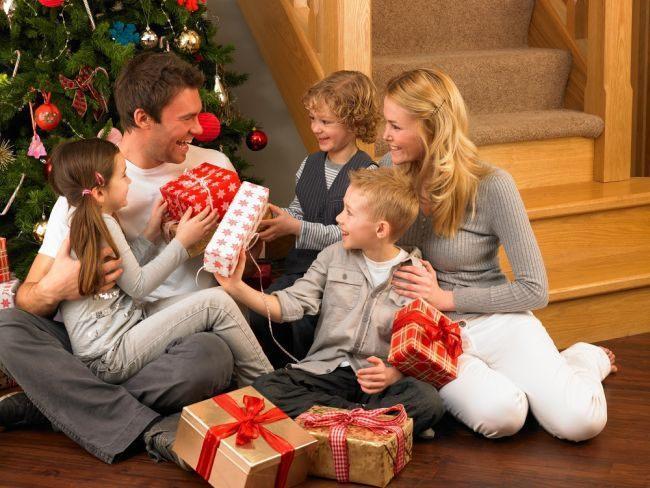 Новогодние поздравления для детей в прозе