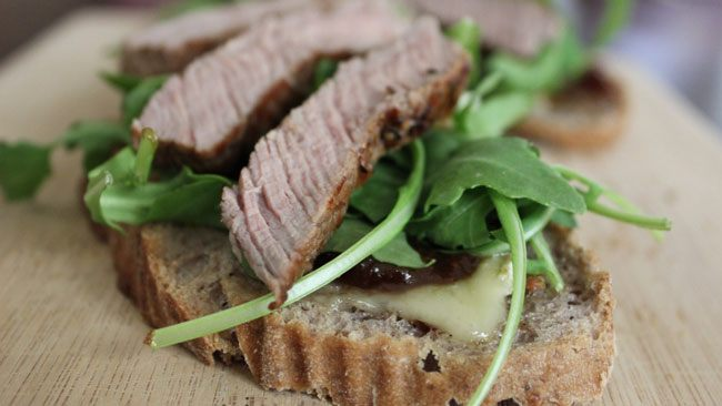 Бутерброды с мясным ассорти