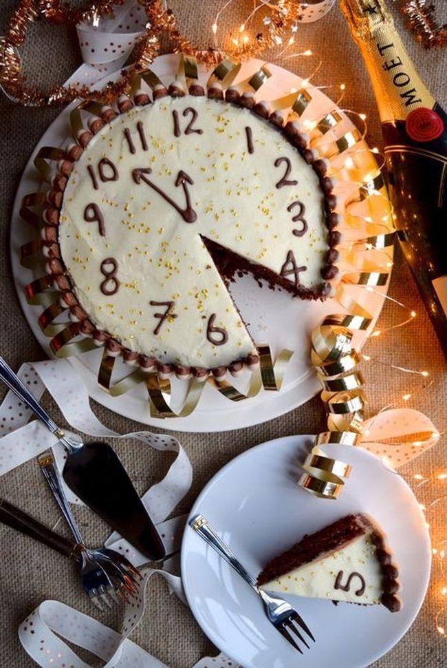 """Десерт """"Новогодние часы"""""""