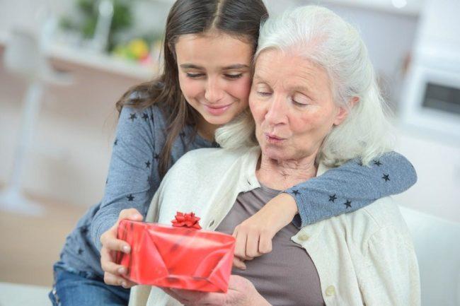 Как поздравить бабушку в прозе?