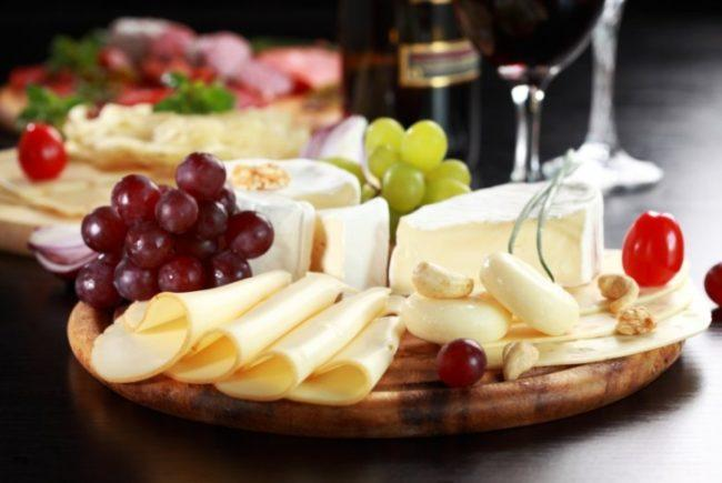 Сырная нарезка к вину
