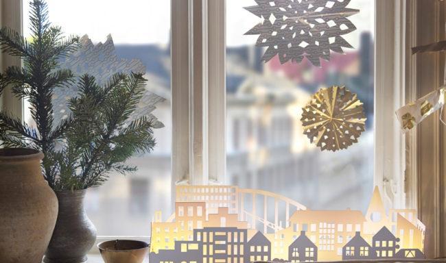 бумажный город на окне