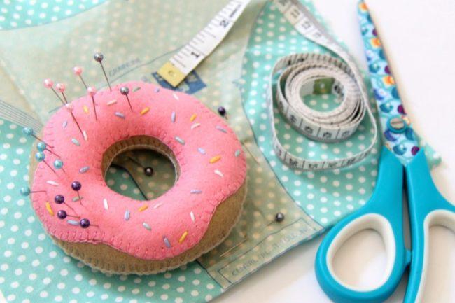 фетровый пончик