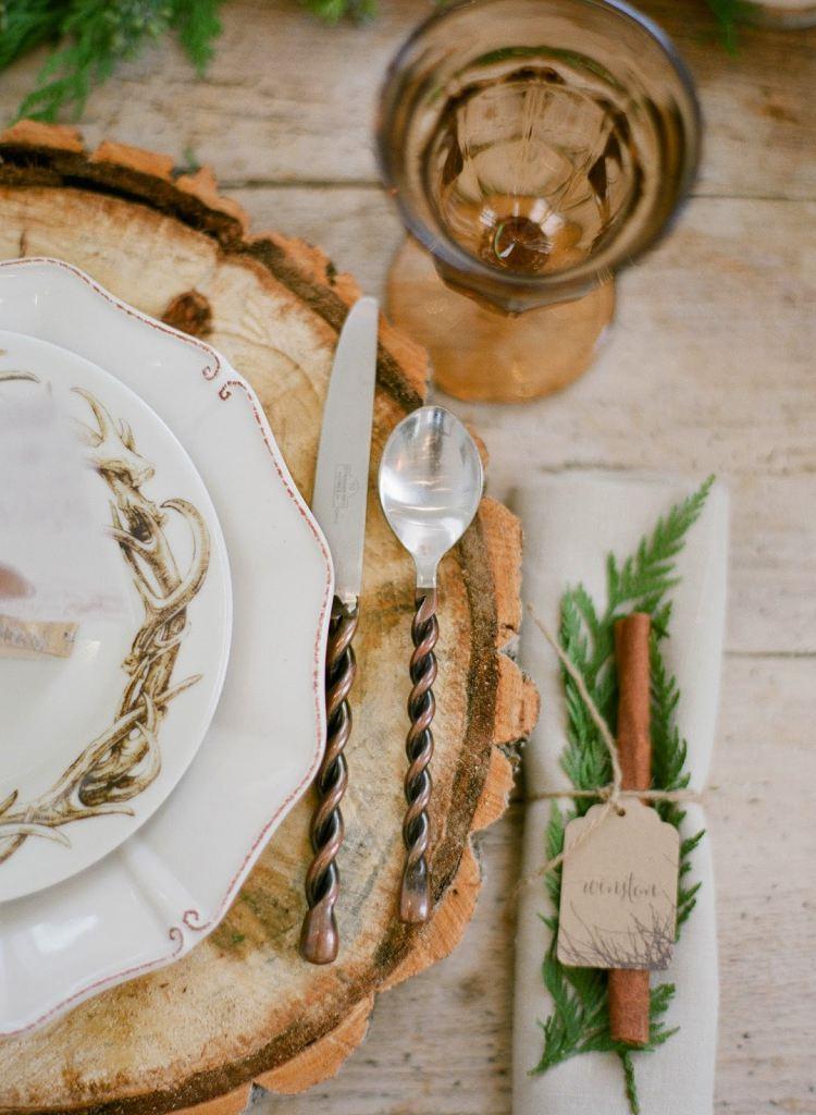 коричневые подставки под тарелку