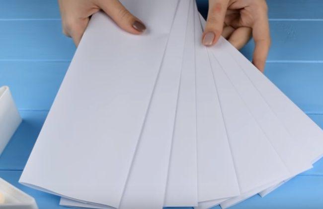листы белой бумаги