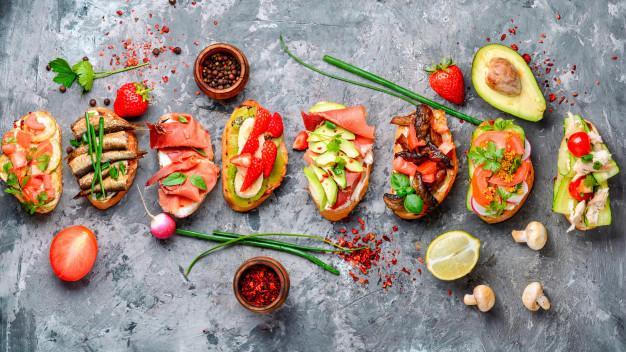Бутерброды со шпротами на новый год 2022
