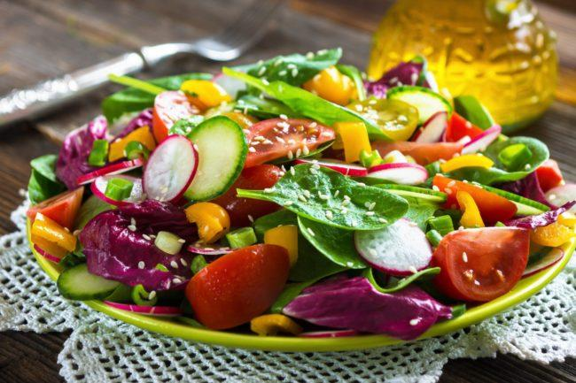 легкий овощной салат на Новый год 2021