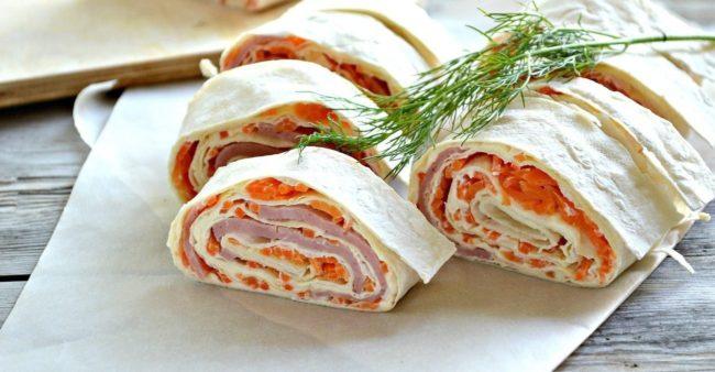 ветчина, корейская морковь и сыр