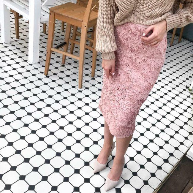 красивая юбка ниже колена
