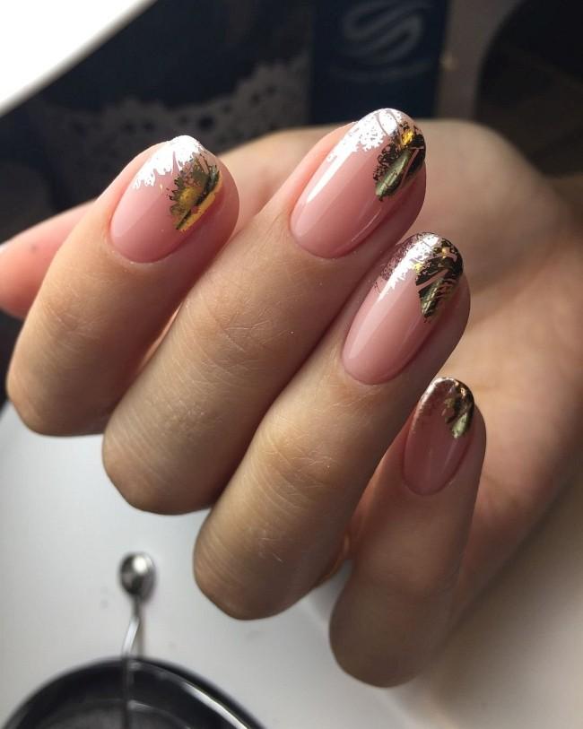 фольга на ногтях