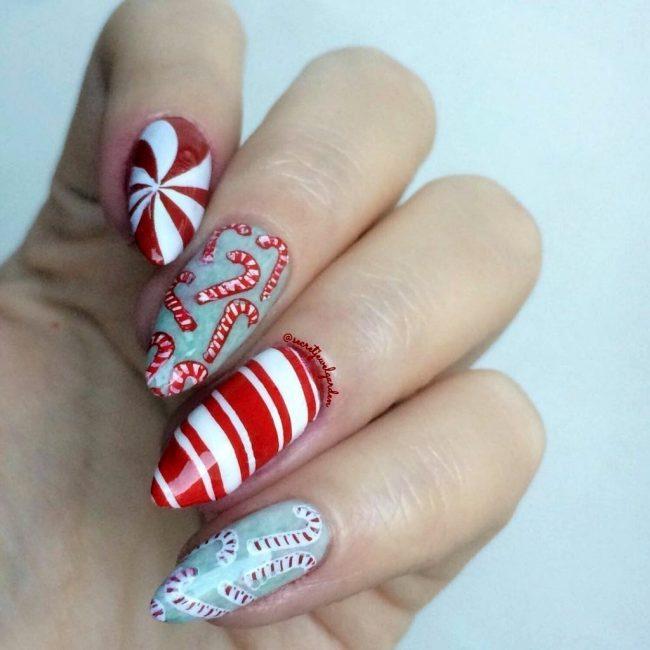 новогодний дизайн ногтей в форме конфеток