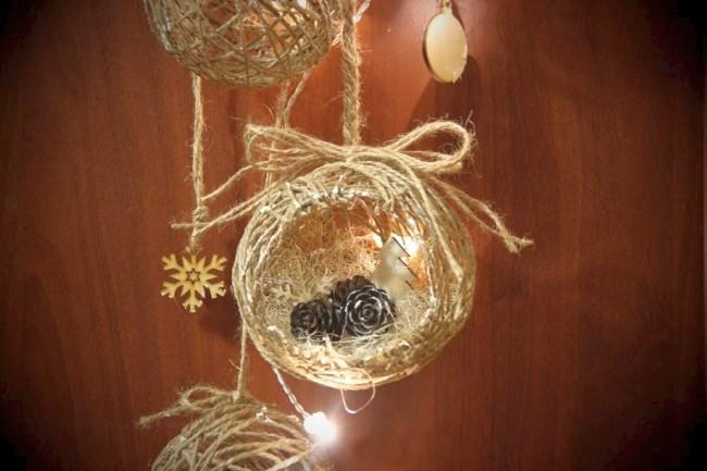 Вариант декорирования новогоднего шара