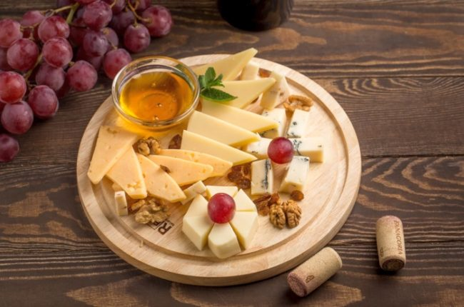сырная нарезка на новогодний стол