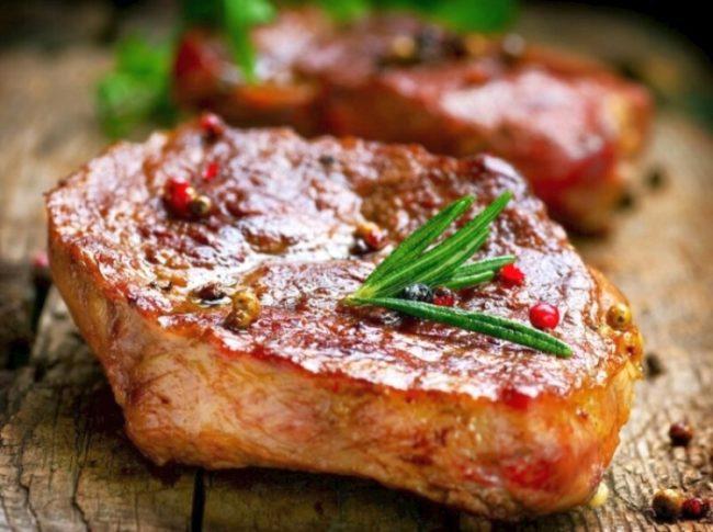 стейк из свинины к новогоднему столу