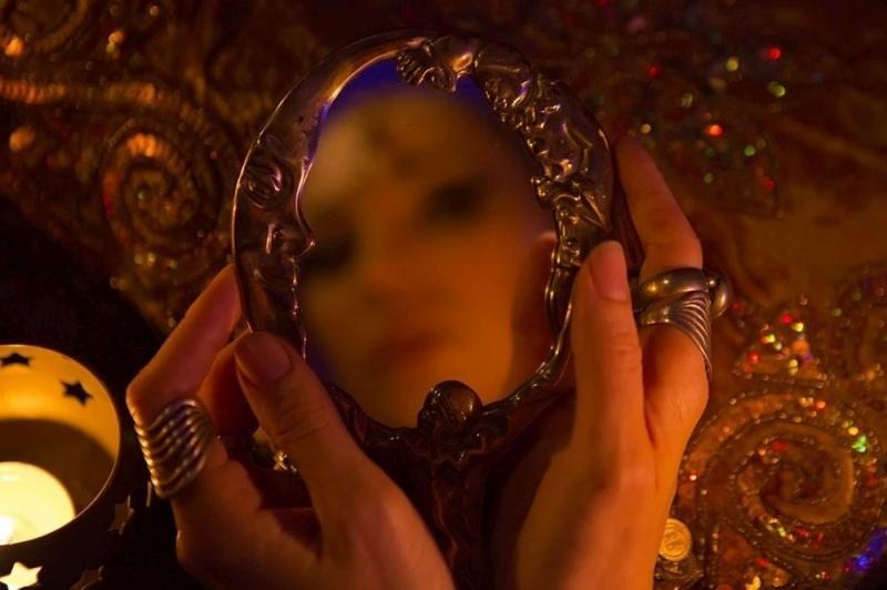 зеркало предскажет замужество