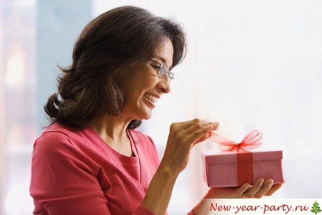 Новогодний подарок любимой маме