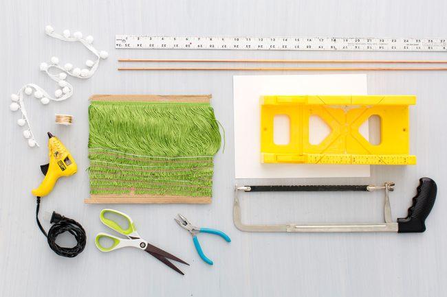 Инструменты для создания елки из ниток