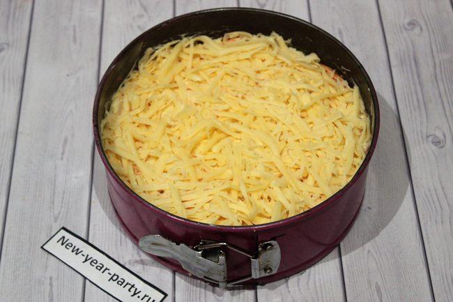 Добавляем измельченный сыр