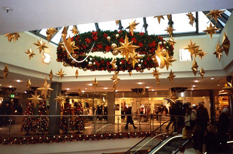 Украшение на новый год торговых центров