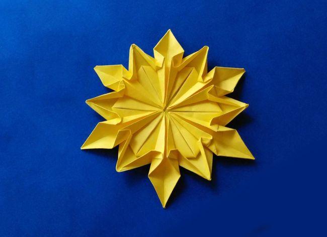 Снежинка оригами на Новый год