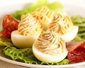 фаршированные яйца в Новогоднем меню