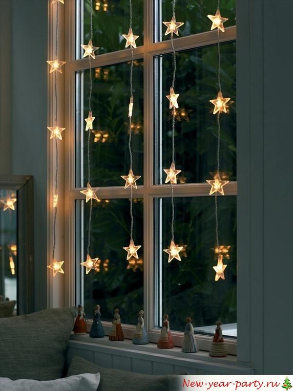 Новогодние украшения на окна в виде гирлянд