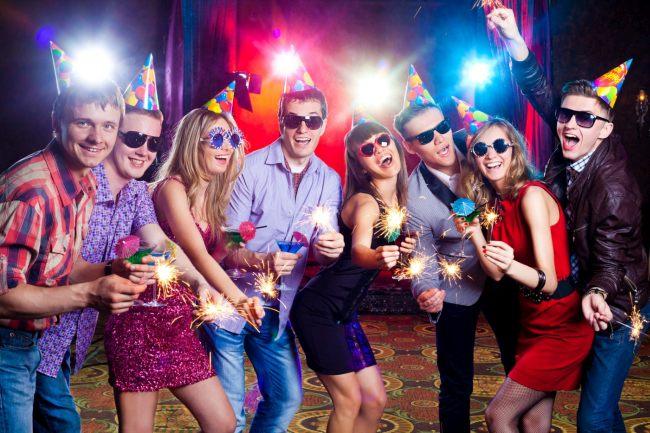 Новогодние фанты для взрослых 2022