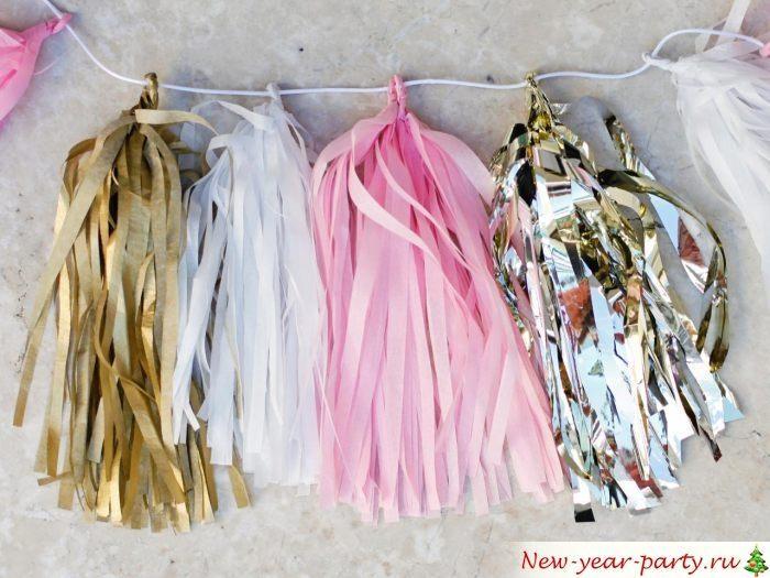 Новогодние гирлянды из креповой бумаги