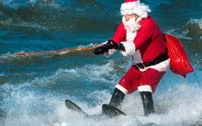 Дед Мороз на серфе