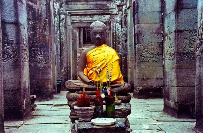 Камбоджийский будда