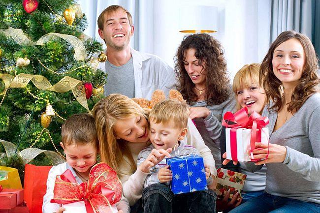 Новогодние застольные игры для семьи