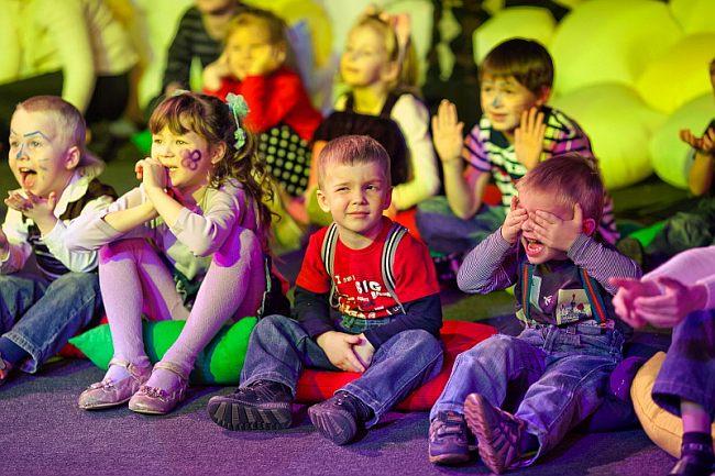 детки встречают новый год 2022
