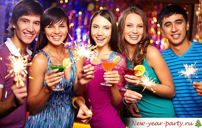 Новогодняя лотерея для взрослых в стихах