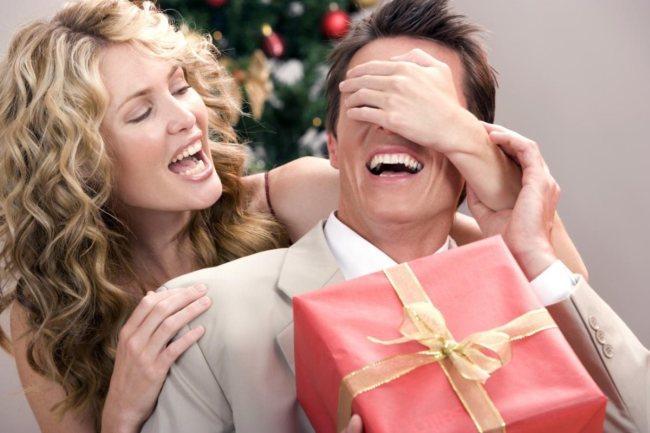 Что подарить на новый год любимому мужчине