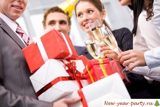 Новогодние поздравления для руководителя и начальника