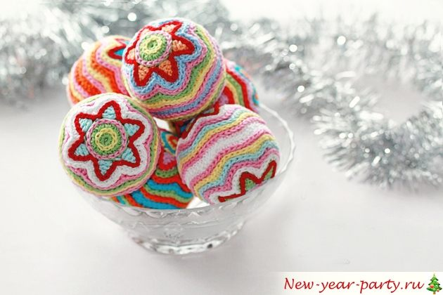 Новогодние шары, связанные крючком